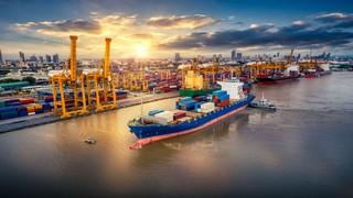 In der COVID-19 Pandemie wurden Lieferketten geschwächt. Bild und Copyright: Travel mania / shutterstock.com.