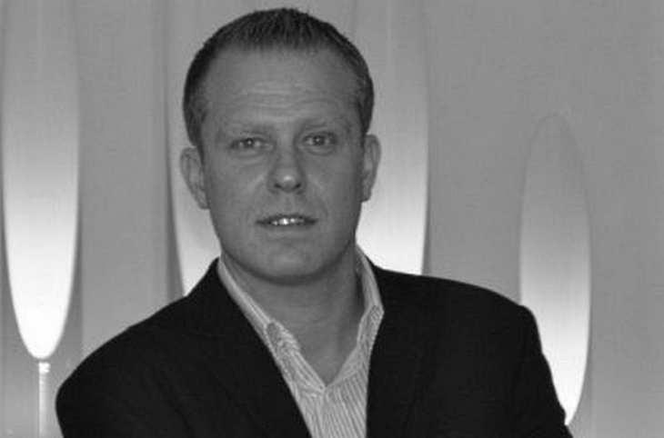 Stephan Däschler, Head of Account Management bei der EQS Group in München, im Gespräch mit der Redaktion von BondInvestor. Bild und Copyright: EQS.