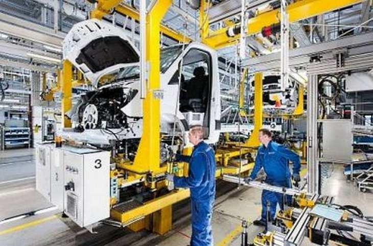 Dem Daimler-Konzern macht die Schwäche des Marktes in Nordamerika zu schaffen, Absatz- und Umsatzziele für 2016 müssen reduziert werden. Bild und Copyright: Daimler.
