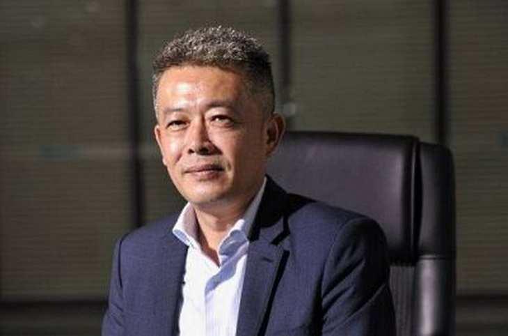 Xiaofang Zhu, Vorstandschef von Decheng Technology, im Interview mit der Redaktion von www.4investors.de. Bild und Copyright: Decheng Technology.