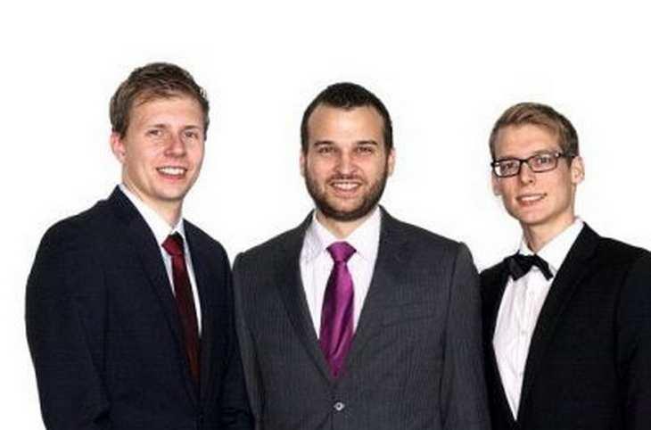 Max Keßler, Benjamin Rudolph und Matthias Geertsema von eMovements wollen per Crowdinvesting die Finanzierung des Marktstarts für den Elektro-Rollators ello stemmen. Bild und Copyright: eMovements.