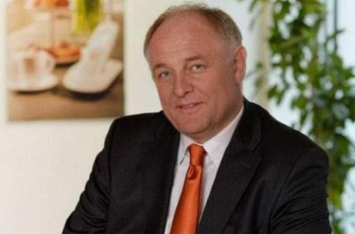 Gigaset, im Bild Vorstandschef Klaus Weßing, will mit einer Reihe neuer Produkte Umsatzrückgänge im Bereich Schnurlos-Telefone kompensieren. Im Fokus stehen bei den neuen Geschäftsfeldern vor allem Smartphones. Bild und Copyright: Gigaset.