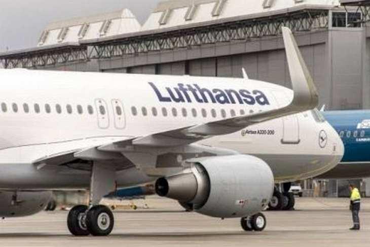 Airbus A320 aus der Lufthansa-Flotte am Frankfurter Flughafen. Bild und Copyright: Lufthansa.