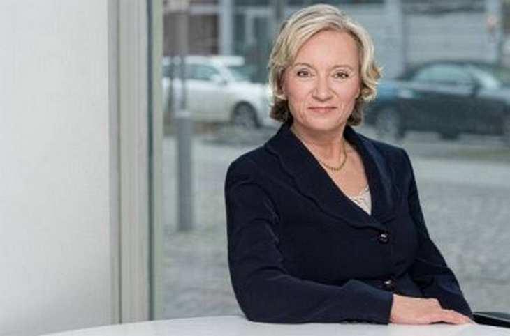 Mariola Söhngen, Vorstandsvorsitzende von Mologen, im Interview mit der Redaktion von www.4investors.de. Bild und Copyright: Mologen.
