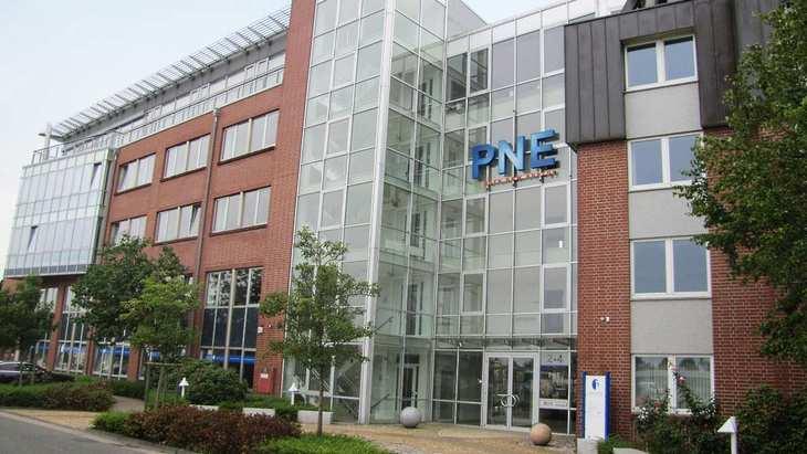 Die Konzernzentrale von PNE Wind in Cuxhaven an der Nordsee. Bild und Copyright: PNE Wind.
