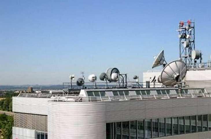RTL-Sendetechnik auf dem Dach der Konzernzentrale. Bild und Copyright: RTL Group.